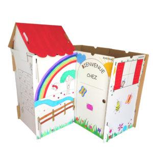 Cabane modulable Mabarac décorée en carton avec un toit